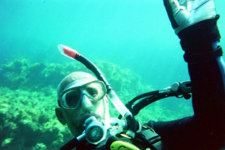 George pod wodą