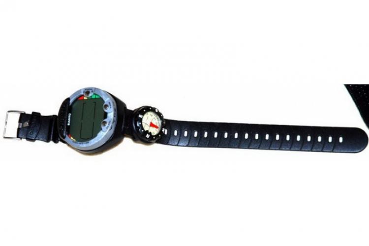 Komputer nurkowy Suunto i kompas