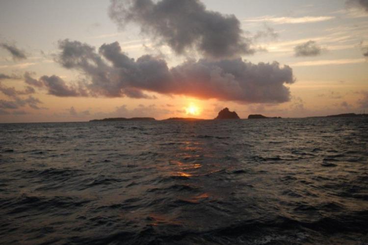Fernando de Noronha - wschód słońca