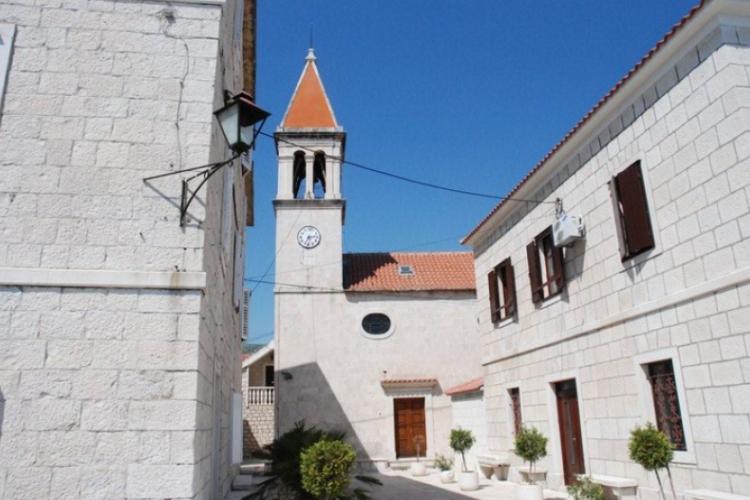 Kościół na obrzeżach Trogiru