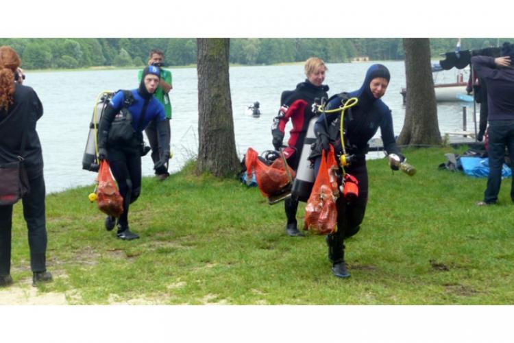 Czyścimy Jezioro Dominickie 2011
