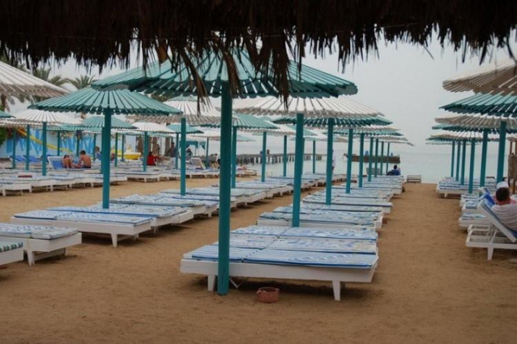 Plaża hotelowa nad morzem