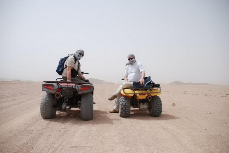 Autor z kolegą Adamem w arafatkach