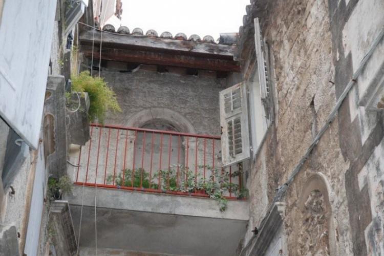 Jeden z balkoników starówki