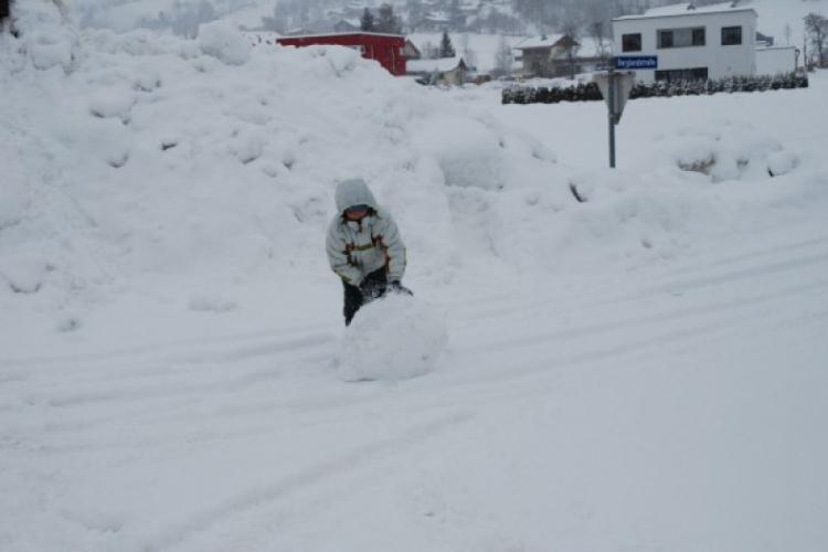Duże kule śniegu