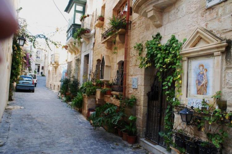 Jedna z malowniczych uliczek Rabatu