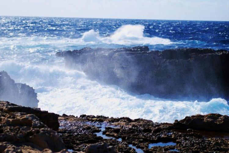 Dwejra Point na Gozo - fale