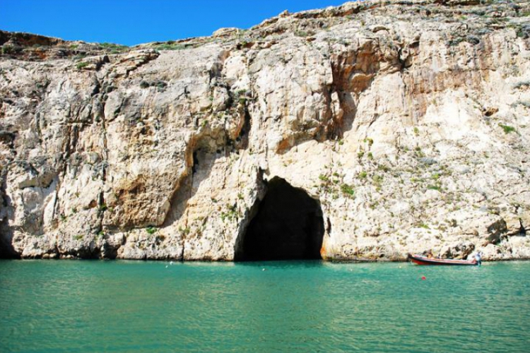Dwejra Point od strony jeziorka