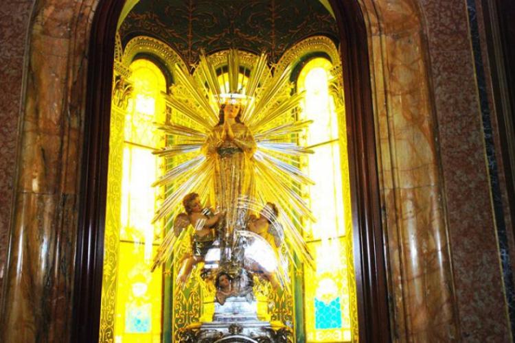 Wjednym z kościołów na Gozo