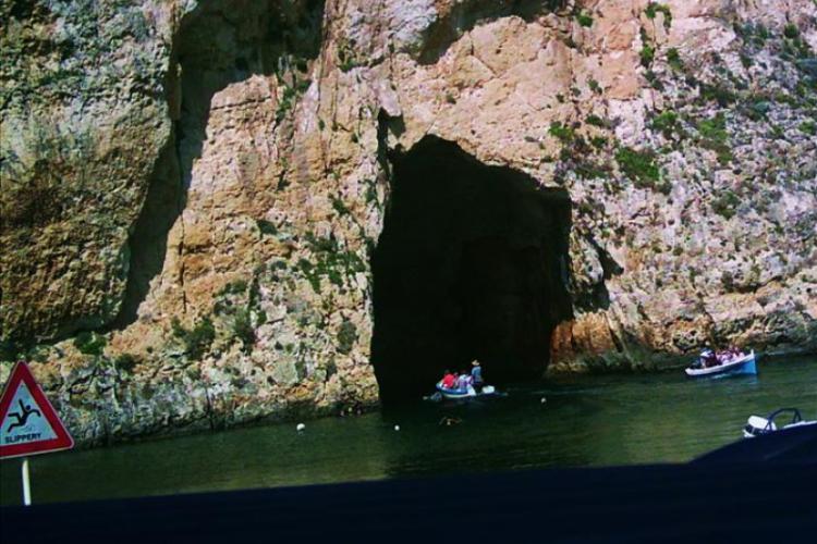 Wyjście na pełne morze prowadzi przez tunel