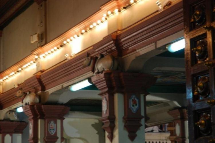 Kolumny w świątyni hinduskiej