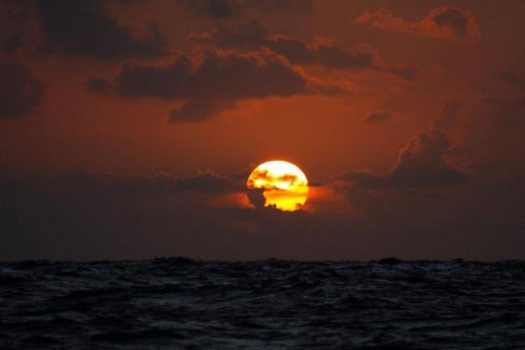 Zachód słońca na Atlantyku fot. Wojciech Jarosz