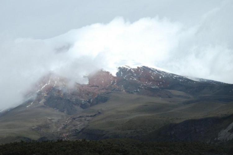 Cotopaxi w chmurach